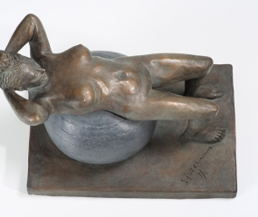 Girl-On-Balance-Ball-Sculpture03